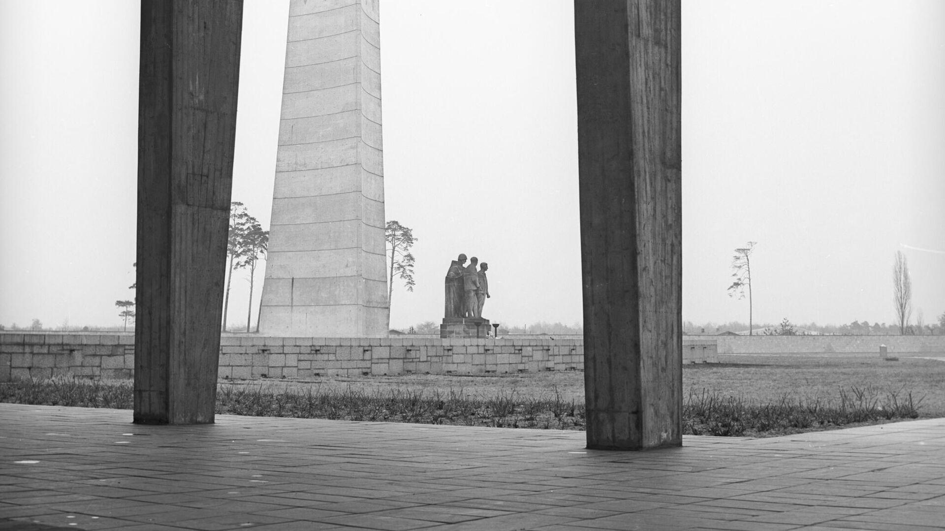 Памятник советским воинам-освободителям на территории Мемориального комплекса Концентрационный лагерь Заксенхаузен - РИА Новости, 1920, 01.08.2021