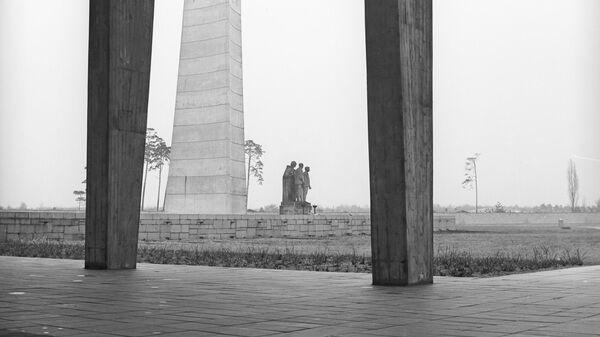Памятник советским воинам-освободителям на территории Мемориального комплекса Концентрационный лагерь Заксенхаузен