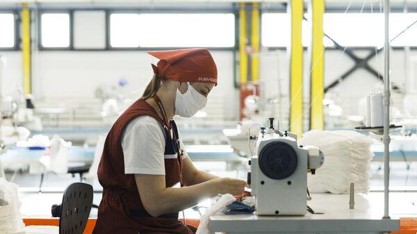 Пошив медицинских масок и защитных костюмов на Калужском заводе компании Bosco di Ciliegi