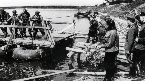 Встреча советских и американских солдат на Эльбе