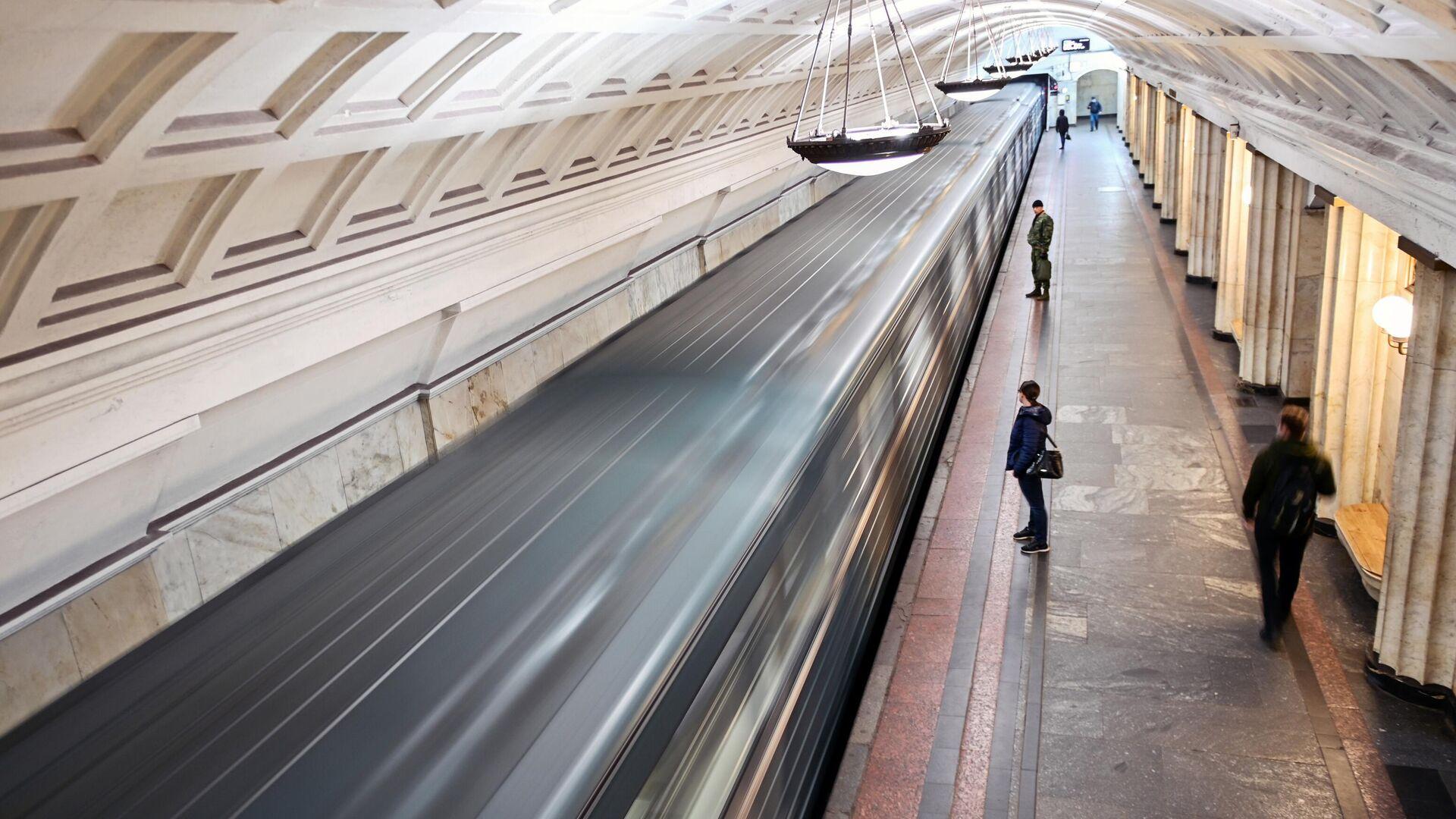 На станции метро Охотный ряд в Москве - РИА Новости, 1920, 08.05.2021