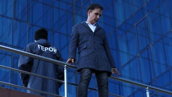 Сцена из спектакля Герой нашего времени  Астраханского драматического театра