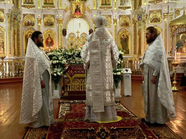 Пасхальное богослужение в Свято-Троицком Браиловском монастыре Винницкой епархии УПЦ