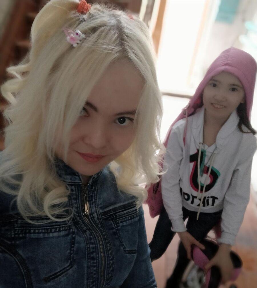 Дарина с сестрой