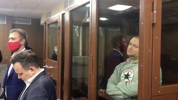 Основатель паблика Омбудсмен полиции Владимир Воронцов в суде. Кадр видео
