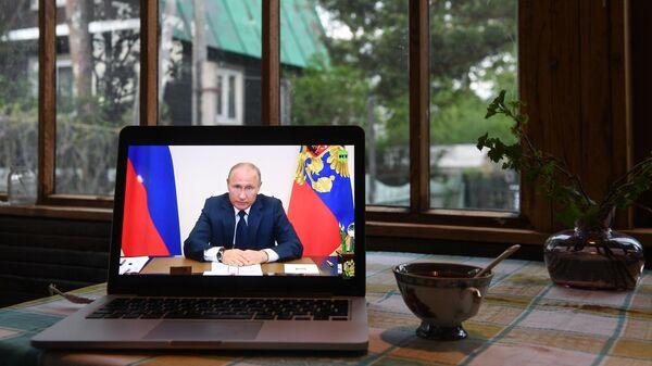 Путин: регионы могут смягчать или ужесточать ограничения по COVID-19
