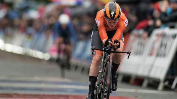Голландская велогонщица Анна ван дер Брегген