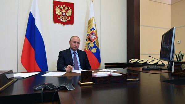 Президент РФ Владимир Путин проводит в режиме видеоконференции совещание по вопросам поддержки авиационной промышленности и авиаперевозок