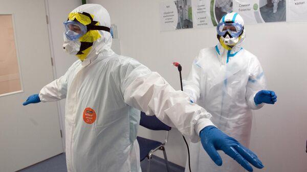 Сотрудники ФГБУ НМИЦ эндокринологии Минздрава РФ в инфекционном корпусе