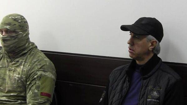 Бизнесмен Анатолий Быков, подозреваемый в организации двойного убийства в 1994 году, во время предъявления обвинения