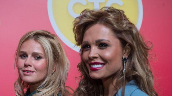 Актриса Мария Горбань (справа)