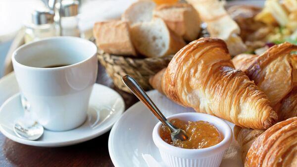 Традиционный французский завтрак