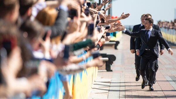 Избранный президент Украины Владимир Зеленский перед началом церемонии инаугурации в Киеве