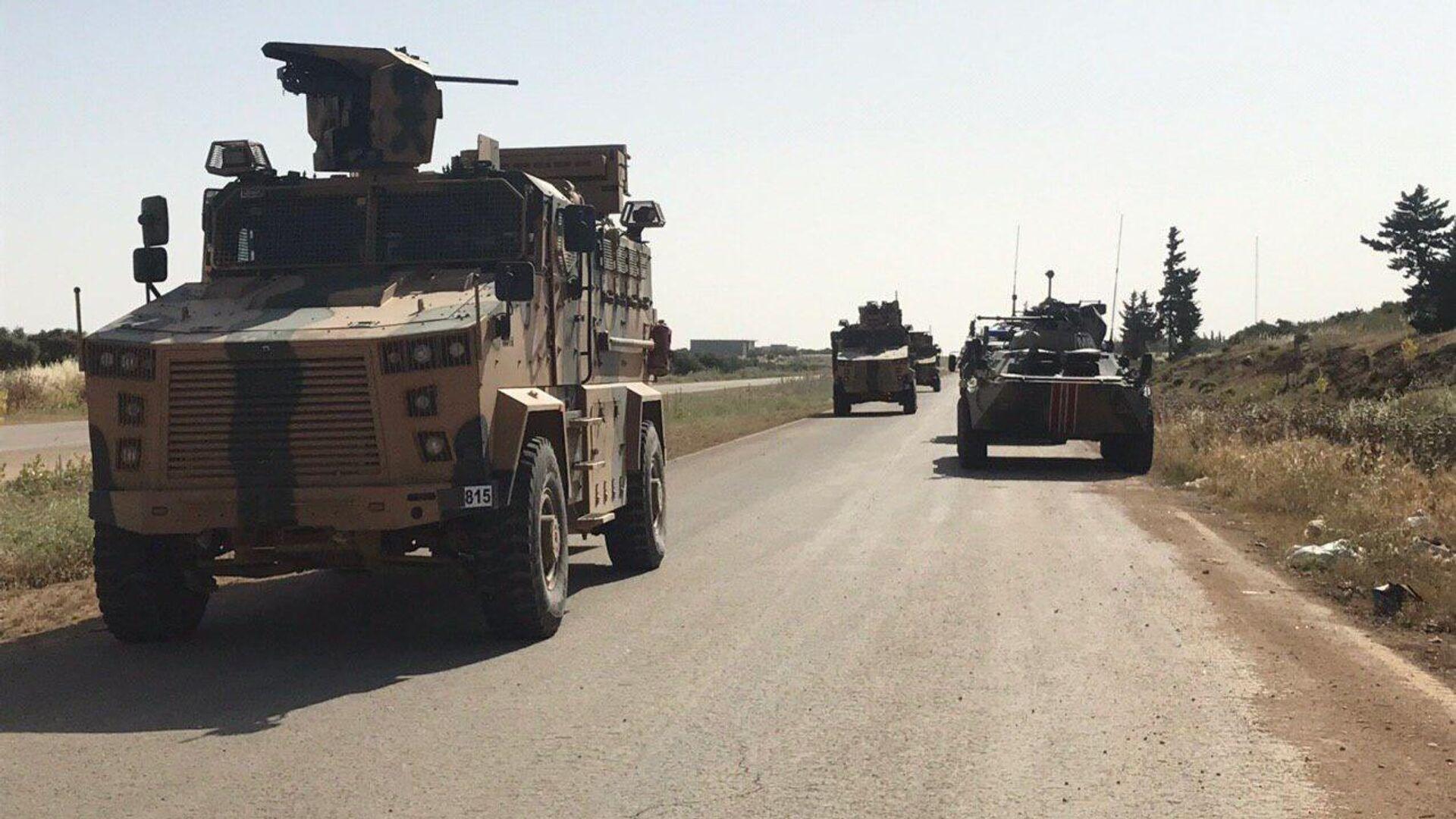 Российские и турецкие военные патрулируют сирийскую трассу Алеппо-Латакия - РИА Новости, 1920, 13.05.2021