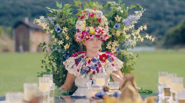Цветочная корона из фильма Солнцестояние