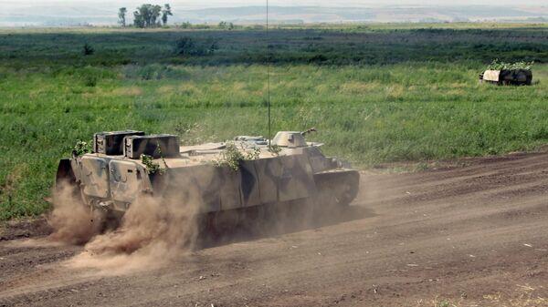 Многоцелевой транспортёр лёгкий бронированный (МТ-ЛБ) ополчения ДНР