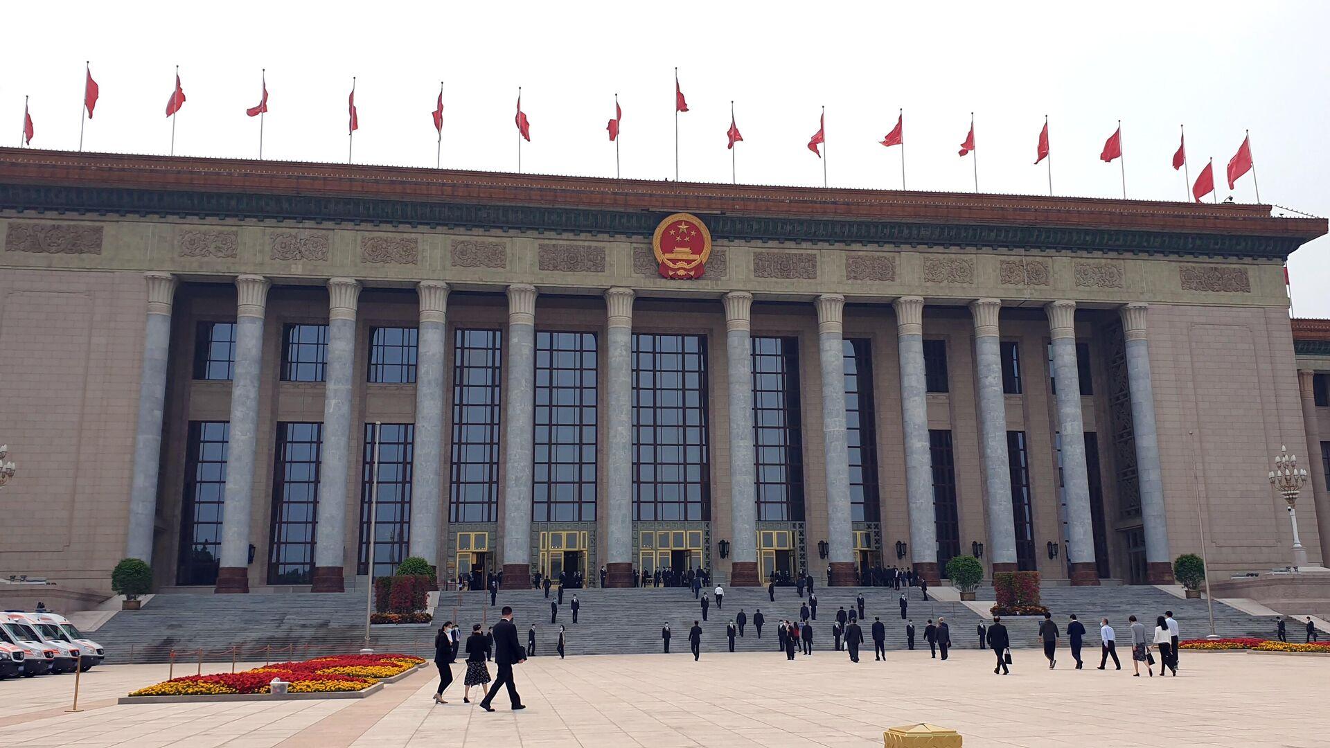 Здание китайского парламента на западной стороне площади Тяньаньмэнь в Пекине - РИА Новости, 1920, 04.12.2020