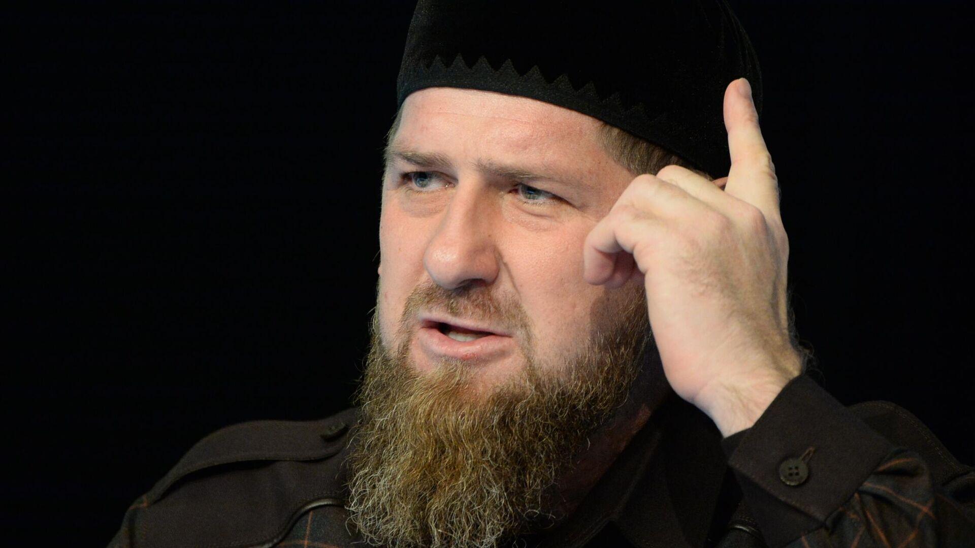 Кадыров прокомментировал убийство учителя во Франции - РИА Новости,  17.10.2020