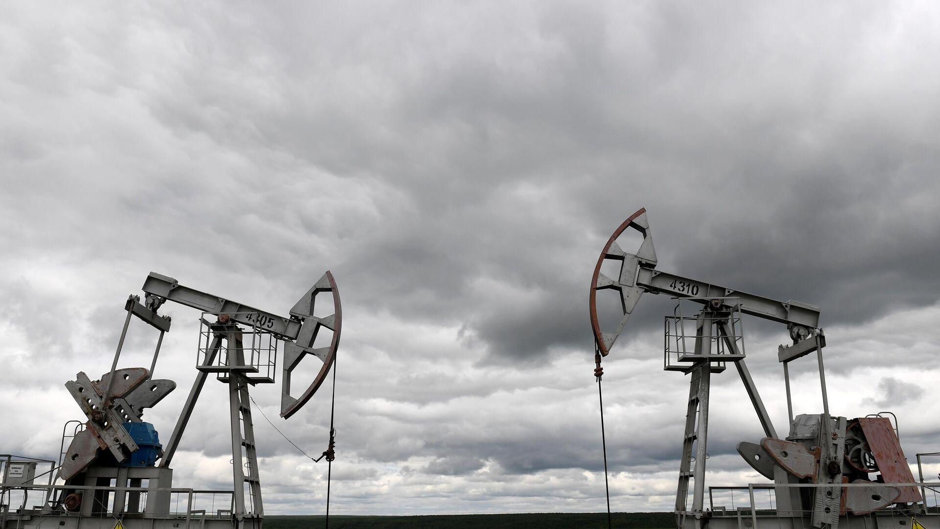 Нефтяные станки-качалки компании Татнефть  - РИА Новости, 1920, 29.09.2020