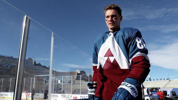 Нападающий клуба НХЛ Колорадо Эвеланш Владислав Каменев