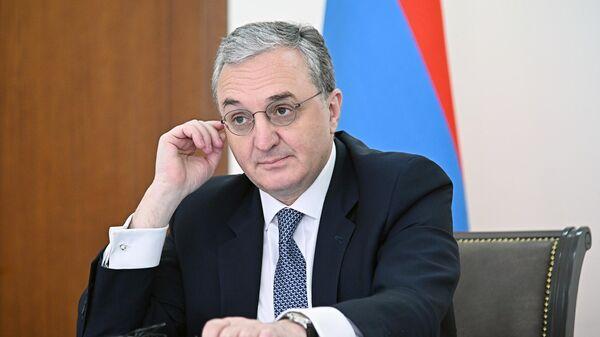 Министр иностранных дел Армении Зограб Мнацаканян на онлайн-заседании Совета министров иностранных дел ОДКБ в Армении