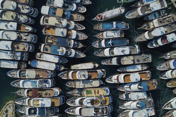 Яхты на пристани Крило в Хорватии