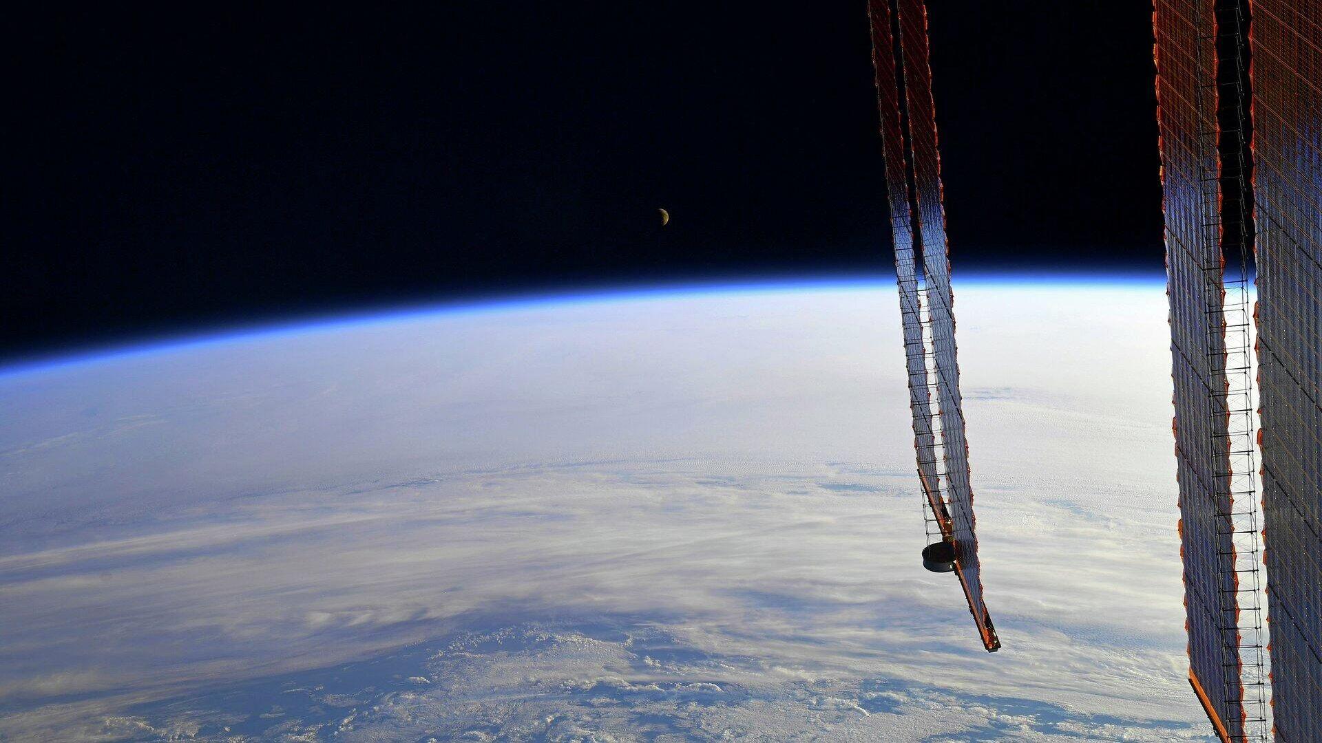 """1572166377 0:193:1920:1273 1920x0 80 0 0 16b12d831ca5ca9aa1b6ac0f3549f277 - """"Роскосмос"""" и Первый канал снимут первый художественный фильм в космосе"""