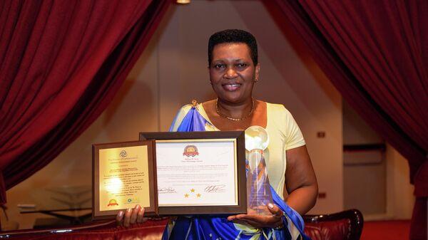 Первая леди Бурунди Дениз Букуми