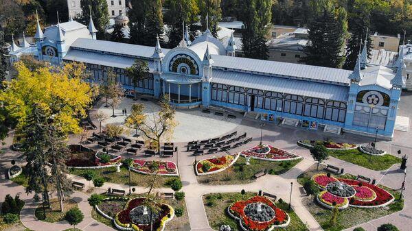 Лермонтовская галерея в парке Цветник в Пятигорске