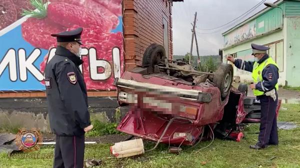 ДТП с автомобилем ВАЗ в Емельяновском районе Красноярского края