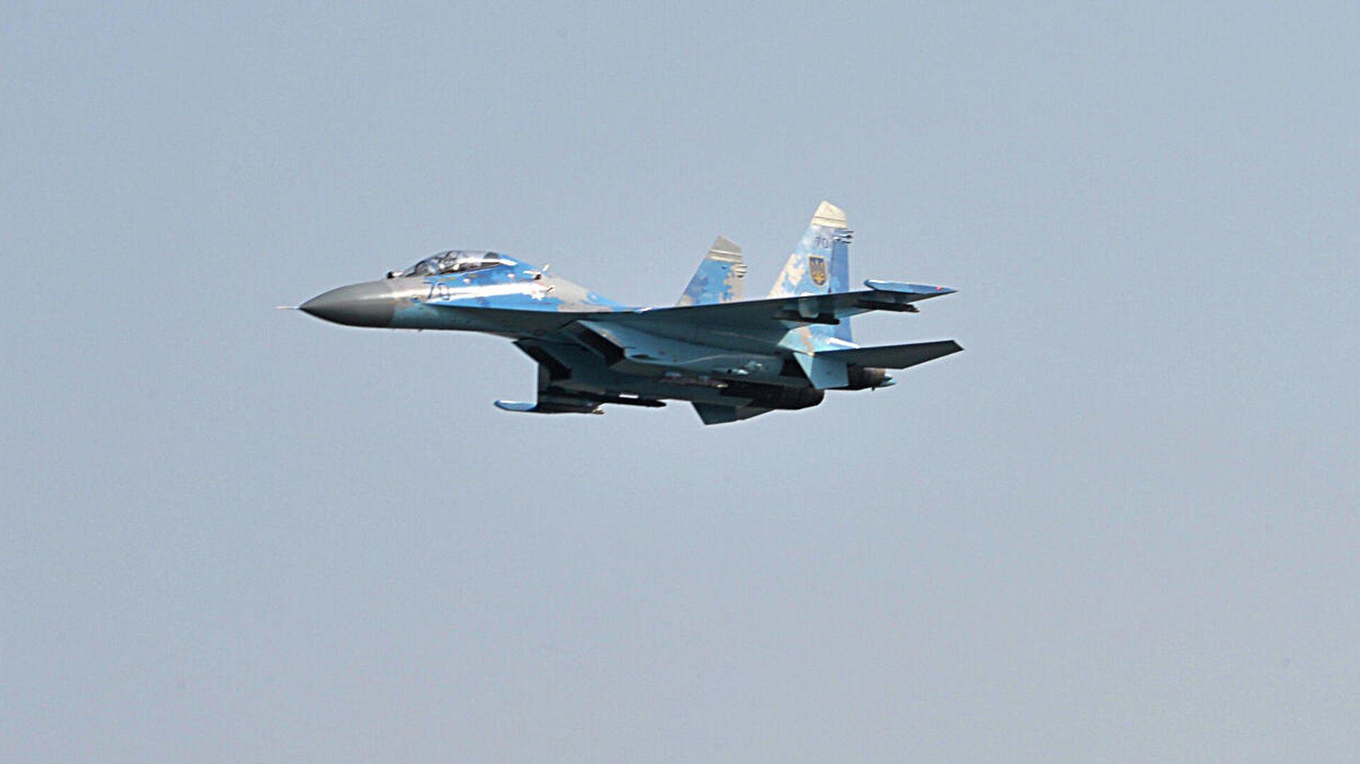 Украинский истребитель Су-27 во время учений Чистое небо - 2018 - РИА Новости, 1920, 31.05.2020
