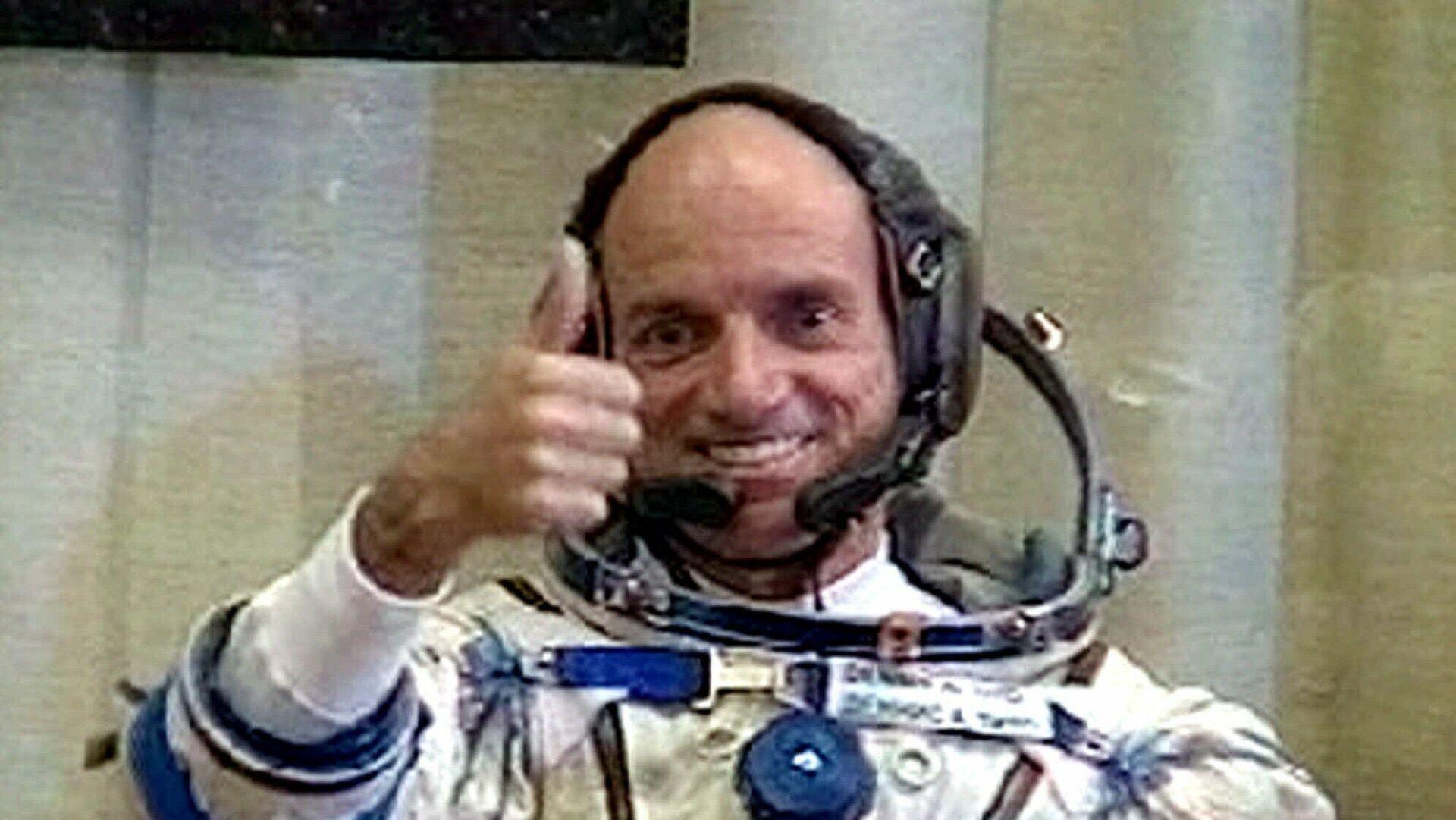 Деннис Тито — первый космический турист, оплативший свой полёт в космос - РИА Новости, 1920, 28.04.2021