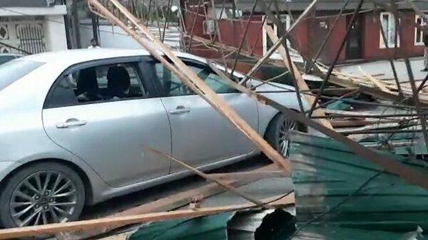Кадры последствий разрушительного урагана в Грозном
