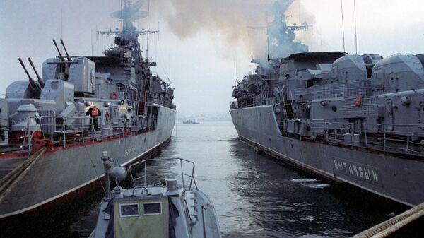 Корабли на военно-морской базе Черноморского флота в Севастополе
