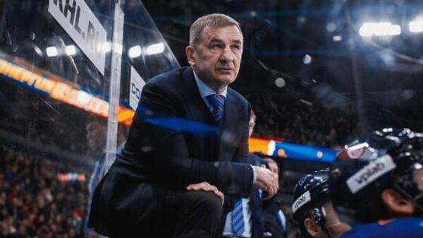 Главный тренер хоккейного клуба СКА Валерий Брагин