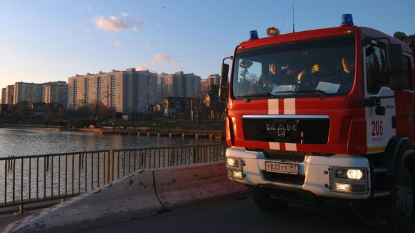 Автомобиль пожарной службы вблизи улицы Рассказовская в Москве