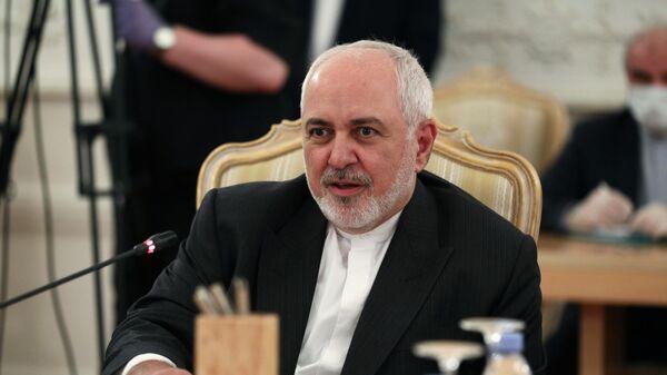 Министр иностранных дел Ирана Мухаммад Джавад Зариф во время встречи с министром иностранных дел РФ Сергеем Лавровым