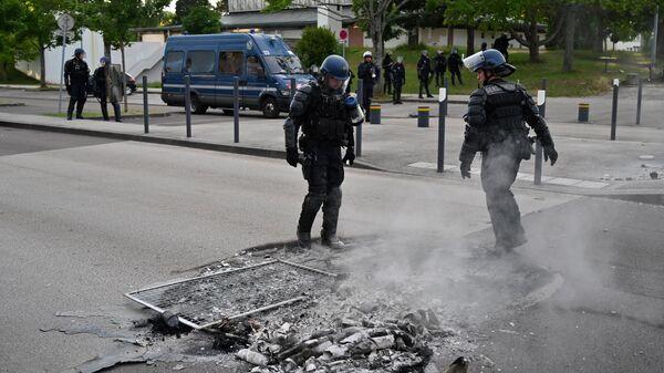 Последствия беспорядков на улице в Дижоне
