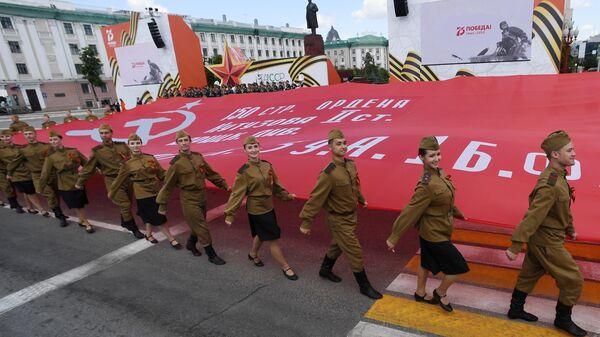 Артисты на военном параде в ознаменование 75-летия Победы в Великой Отечественной войне 1941-1945 годов на площади Свободы в Казани