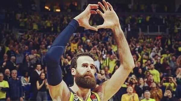 Баскетболист Фенербахче Луиджи Датоме