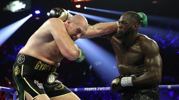 Боксерский поединок между Тайсоном Фьюри и Деонтеем Уайлдером