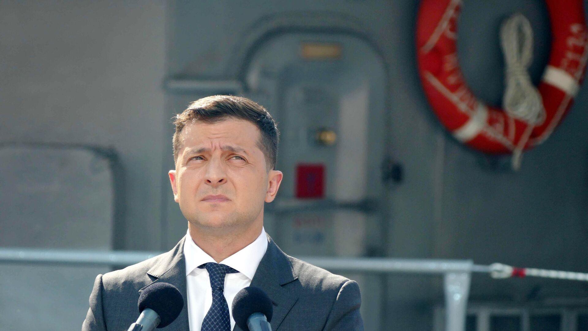 Президент Украины Владимир Зеленский принимает участие в военно-морском параде в честь Дня ВМС Украины - РИА Новости, 1920, 11.09.2020