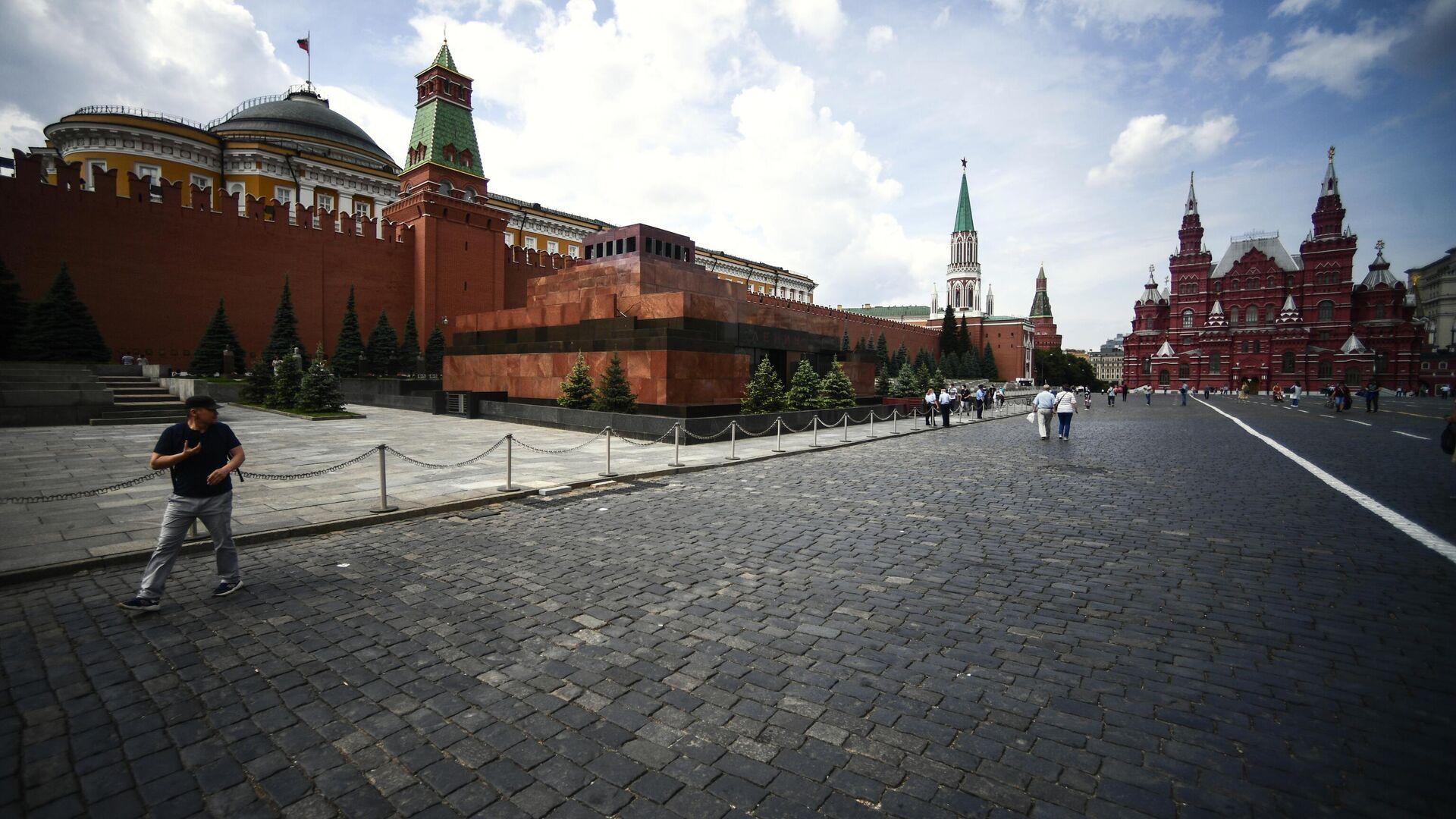 Прохожие на Красной площади в Москве - РИА Новости, 1920, 06.09.2020