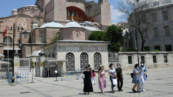 Мусульмане проводят пятничные молитвы вСвятой Софии впервый раз  за86 лет— Турция
