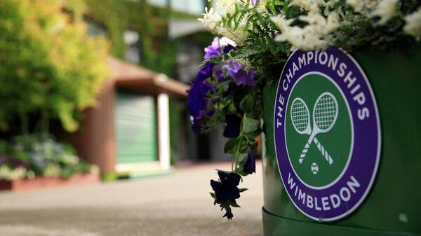 Логотип теннисного турнира в Уимблдоне
