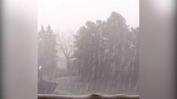 Гром и молния: ливни и грозы вновь обрушились на запад Подмосковья