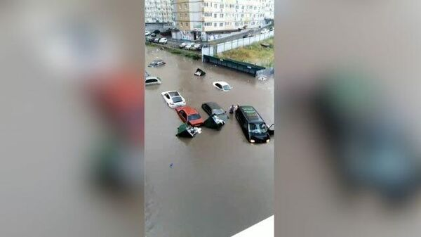 Кадры очевидцев наводнения в Ростове-на-Дону