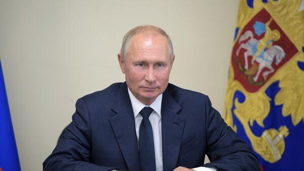 Путин подписал закон об электронном документообороте для tax free