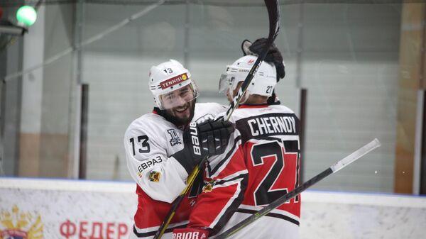 Игроки новокузнецкого хоккейного клуба Металлург