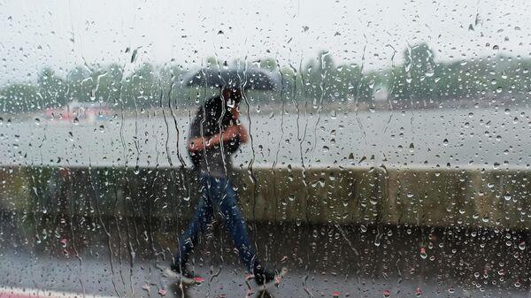 Как коммунальные службы Москвы работают во время ливней?